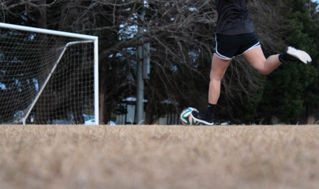 Female athletes with ACL injuries struggle mentally and physically